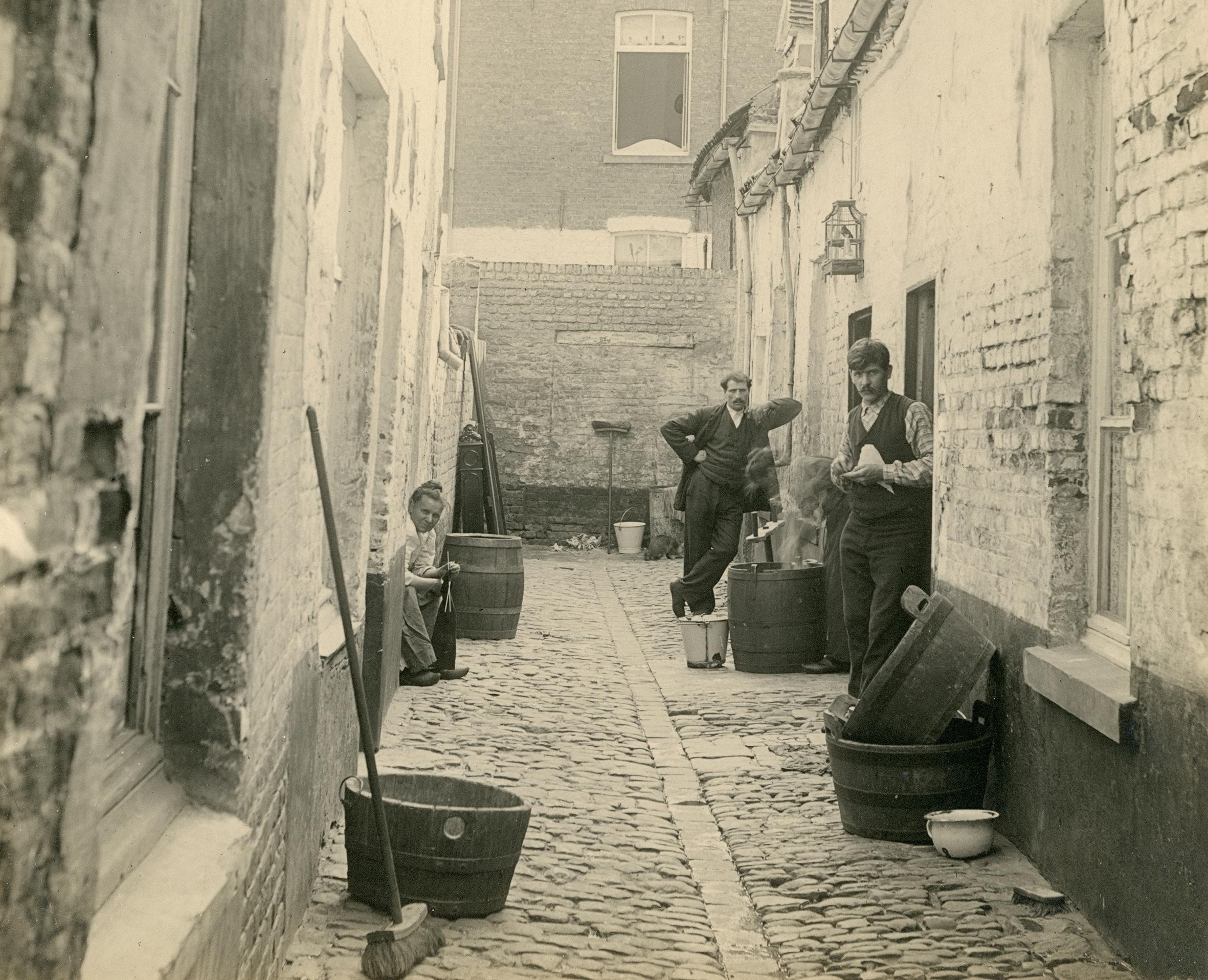 'Tegenwind. Armoede in België sinds 1800' (Caermersklooster)